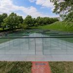 1-robert-morriss-glass-labyrinth_td